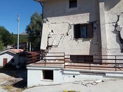 Lesioni post terremoto (EnricoCE) Tags: amatrice terremoto earthquake effects house casa lazio