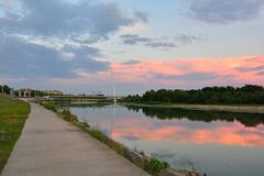 Puente del Voluntariado al atardecer, Zaragoza (mixtli1965) Tags: rio reflejo nubes nublado atardecer zaragoza voluntariado puente nikon d7100 tokina1116mmf28 sunset cloudy clouds reflection river
