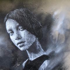 Regard - 10 (Lô65) Tags: streetart artderue regard mur graff 2017 paris surlesmursdeparis surlesmurs fissure canon7d canon 7d sigma sigma1750 sigma1750mm wall portrait