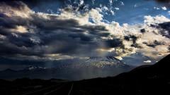 Rumbo al volcan (Miradortigre) Tags: volcan volcano neuqyen argentina neuquen patagonia rayos sol sun light clouds nubes nieve snow nikonflickraward