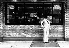 Bronx Brewery (nestor.ferraro) Tags: bronx brewery street streetphotography bw blancoynegro blackandwhite navy