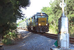 Going home (clarkfred33) Tags: circustrain circus signal railroadsignal gp392 railroadscene ruskin circushistory ringlingbros csx
