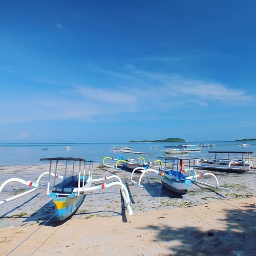 "Gili Nanggu is perhaps my favourite Gili Island on Lombok with A great Coral reef and many varieties of fish for snorkelling 😊  When most of the people hear the name ""Gili"", they think of the 3 famous Gili Islands Trawangan, Meno and Air in the nort"