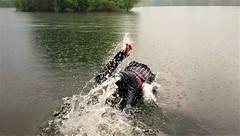Fulda Aue (marcostetter) Tags: lake landscape legs wet wetclothing wetclothes wetlook wetjeans wetshirt water w