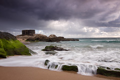 Birlibirloque (jaocana76) Tags: beach ocean sea water sky atlanterra zaharadelosatunes tarifa bunker jaocana76 canoneos7d canon1635 estrechodegibraltar straitsofgibraltar atardecer sunset coast