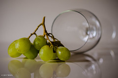 No Wine! (BGDL) Tags: lightroomcc nikond7000 afsmicronikkor40mm128g bgdl grapes wineglass reflections 7daysofshooting week51 stilllife macromonday