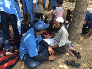 Team Blue Pen teaching casual labour Mr Shakeel on 11.6.17 at Nizamuddin