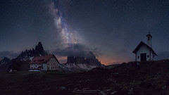 Un refugio de altura (Iván F.) Tags: landscape landscapes italy trecime lavaredo tres cimas mountain montaña high star stars milky way church night nightscape pano panorama samyang 20mm 18 sony a7r explore explorer exploration travel tourism sky long exposure noctambulos fotografia nocturna noctografos