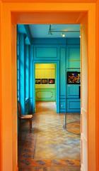 couleurs (+ Groupe DOUCEUR + ABCédaire) Tags: couleurs orange porte photographesamateursdumonde expo flickr flickrelite flickrelitegroup nikon nikoneurope nikonpassion makemesmile coloré