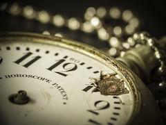 Broken - Macro Mondays (Luana 0201) Tags: broken macromondays old clock pocket