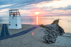 Lifeguard Tower (S.Mshots) Tags: marthasvineyard oakbluffs massachusetts sunrise