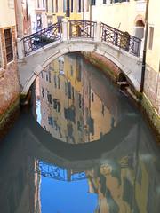 A pedir de Charles (cesarbilan) Tags: venecia puente canal reflejo