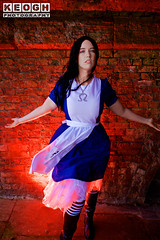 IMG_2427.jpg (Neil Keogh Photography) Tags: fantasy books aliceinotherlands alicemadnessreturns films disney boots lace fiction blue gardens necklace alice nwcosplayjunemeet2016 skirt arch bridge dress tights lewiscarroll tv stones red female green girl americanmcgeesalice aliceinwonderland cosplay alicethroughthelookingglass apron waltdisney black animation cosplayer colourgels cartoon white