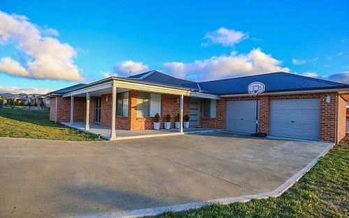 70 Ashworth Drive, Kelso NSW