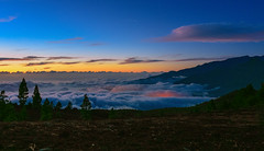 Sunset Above the Clouds (free3yourmind) Tags: above clouds outdoor landscape top mountain hill cloudy evening moonlight trees lapalma spain canary islands sunset