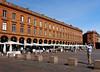 photo - Sidewalk Cafes, Place du Capitole, Toulouse (Jassy-50) Tags: photo toulouse france placeducapitole place plaza piazza platz square sidewalkcafe openaircafe umbrella hubby