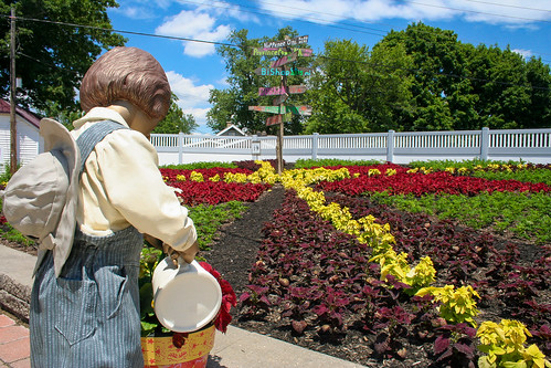Nappanee Center, Nappanee - Crossroads of Nappanee garden