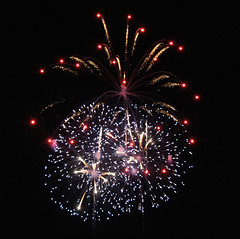 Red, gold, silver (Read2me) Tags: night sky fireworks city boston pree cye tcfe