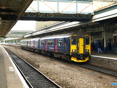 Great Western Railway Class 150 Sprinter 150261 and Class 153 Super Sprinter 153318 draw to a halt at Exeter St Davids (Oz_97) Tags: greatwesternrailway exeterstdavids 153318 150261