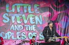 """Little Steven and the Disciplines of Soul - Cruilla 2017 - Sabado - 5 - M63C6706 • <a style=""""font-size:0.8em;"""" href=""""http://www.flickr.com/photos/10290099@N07/35664466322/"""" target=""""_blank"""">View on Flickr</a>"""