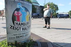 Hamburg zeigt Haltung (perspective-OL) Tags: g20 great twenty summit gipfeltreffen hamburg hh industriestaaten trump putin merkel erdogan protest demonstration activism zeigt haltung runter vom sofa rauf auf die strase