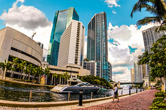 Miami on a runway walk. (Aglez the city guy ☺) Tags: miamiriver themiamiriverwalk city cityscapes walking walkingaround waterways yachtride photographer people architecture outdoors myurbanexploration urban