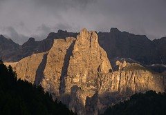 Mountains In Evening Light (bjorbrei) Tags: sella sellamassif sellagroup evening eveninglight sunset selva valgardena selvadivalgardena dolomites southtyrol italy