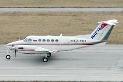 Naftex Bulgarian Aviation Co. Beechcraft King Air 200 LZ-YUK (c/n BB-0082) (Manfred Saitz) Tags: vienna airport schwechat vie loww flughafen wien naftex bulgarian aviation beech beechcraft 200 be20 lzyuk lzreg