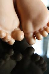 little soles mm bottoms up (sveckbo) Tags: macromondays bottomsup