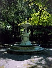 Fonte en Compostela (trabancos) Tags: fujifilm ga645 kodak portra 160 nc fonte fuente fountain santiago de compostela galicia 120 645 film