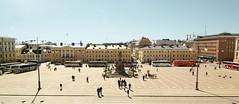 Senate Square (TeRo.A) Tags: senatesquare senaatintori helsinki square plaza auringonpaiste aurinko sunshine sightseeingbus turistibussi statue patsas aleksanteriii panorama