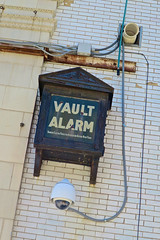 Vault Alarm, Ottumwa, IA (Robby Virus) Tags: ottumwa iowa ia vault bank alarm bankers electric protective association artifact holdover