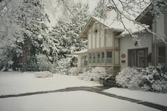 Easter Sunday Surprise Snowfall (April 7, 1996) (Joseph Hollick) Tags: mamiya mamiya35mmcamera 35mmfilm 35mm snow snowcovered dundas