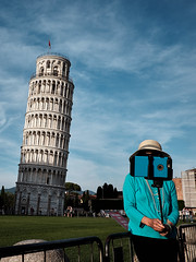 ... (Alfredo Aleandri Photography) Tags: street streetphotography streettogs pisa phone tourist hat leaningtower tower selfie