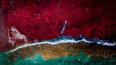 rouge marine - 2 clichés (peu présente...ailleurs !) Tags: rouge texture colors red strate coque