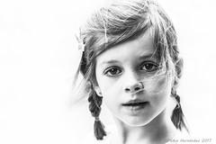 Laura (PedroSolitario) Tags: bn bw high key clave alta retrato portrait ngc