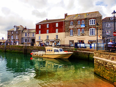 Padstow Harbour, Cornwall (photphobia) Tags: padstow harbour cornwall town uk oldtown oldwivestale outdoor outside architecture buildings building buildingsarebeautiful house houses cottage cottages highstreet