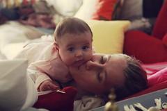 Una mirada que enamora ❤️🚼 (Juan David Koppmann ) Tags: bebé baby beba babybebemadremamábesoskisses besos kisses amordemadre madreehijo