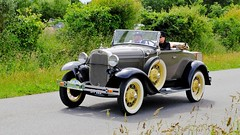 FORD-A roadster 1930 (claude 22) Tags: tourdebretagne abva 2017 rallye old vintage classic vehicule 2roues collection brittany finistère france vehicles cars automobiles classiques fuji fujifim xt1 18135mm tourdebretagneabva ford forda roadster 1930 american twenties tourdebretagne2017 claude22 claudelacourarie