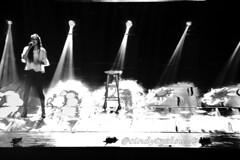 (Cindy en Israel) Tags: mujer monocromo música cándida candid cándidas càndida candidphoto cantante joven banquito asiento luces evento escena escenario eshcolpais nahariya israel אישה צעירה שחורולבן דבר שרפף אור נהריה ישראל event objeto cosa מוסיקה זמרת
