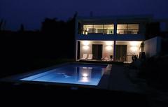 Une ambiance lumineuse pour votre piscine (spapiscines) Tags: ambiance bassin éclairage lampes lampesflottantes luminaire piscine