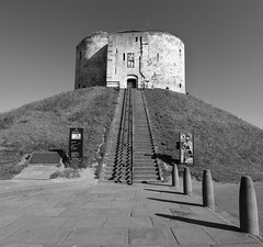 Clifford's Tower (hanley27) Tags: cliffords tower york canon1740mm f4 l