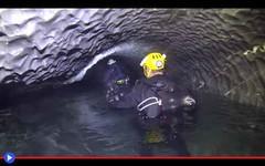 Tre oscure stanze oltre il fiume segreto di Bjurälven (ViaggioRoutard) Tags: svezia caverne doline fiumi grotte