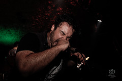 _MG_2773 (gatesgates_) Tags: papa roach cover fofinho rock bar rise face everything scars last resort show concert singer
