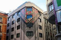 Madrid_0489 (Joanbrebo) Tags: madrid comunidaddemadrid españa es spain cityscape arquitectura edificios edificis buildings streetscenes murales murals pintadas streetart canoneos80d eosd autofocus efs1855mmf3556isstm