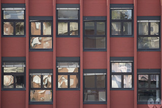 Modern Buildings have Abstract Visions [Windows' gazes #01]