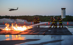FIRE_ARFF_1 (Joint Base Myer-Henderson Hall) Tags: aircraftrescueandfirefighting arff training fireandemergencyservices davisonarmyairfield fortbelvoir fire