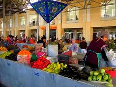 Siab Bazaar (SamismagiC) Tags: samismagic uzbekistan ouzbekistan samarkand bukhara khiva silk road central asia route de la soie siab bazaar ex former soviet union republic urss cccp market marche public publique fruit legume vegetable