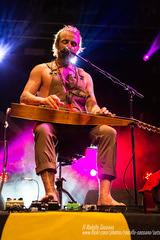 XAVIER RUDD - Parco Tittoni, Desio (MB) 14 June 2017 ® RODOLFO SASSANO 2017 34 (Rodolfo Sassano) Tags: xavierrudd concert live show parcotittoni desio barleyarts songwriter singer australianmusician multiinstrumentalist folk blues indiefolk reggae folkrock liveinthenetherlandstour