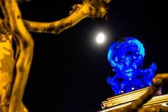 Deep Blue (S. Ruehlow) Tags: frankfurt gallus bahnhof hauptbahnhof centralstation langzeitaufnahme nacht night luminale luminale2016 atlas gustavherold mond moon blue
